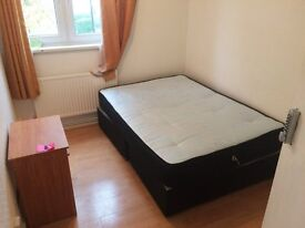 Cheap Room near Shoreditich (140 pw) **bills inc* 2 mins from Bethnalgreen station.