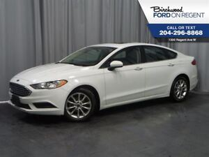 2017 Ford Fusion SE *Moon Roof/Bluetooth/Back Up Camera*