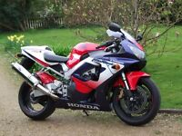 HONDA FIREBLADE 929, LOW MILES, EXTRAS, GREAT CONDITION.