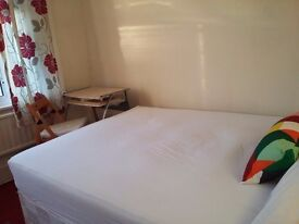 Double room to rent in a quiet and cosy house