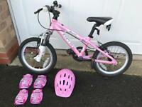 Girls Carrera Luna bike, helmet and pads