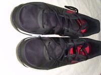 Mens Nike Sneakers Size 12