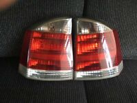 VAUXHALL VECTRA C SRI 2009 PLATE REAR LIGHT LAMPS WITH BULBS AND HOLDERS IN EXCELLENT CONDITION