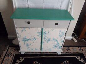 Sideboard/cupboard
