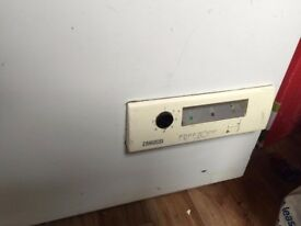 Zanussi Chest freezer length 3ft 1 width 2ft perfect working order good condition few dints