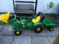 Kids large ride on John deere tractor and trailor