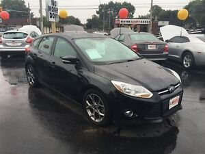2014 FORD FOCUS SE- SUNROOF, HEATED SEATS, SYNC, SATELLITE RADIO
