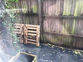 Small pallet free