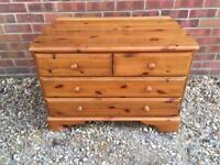 Ducal solid pine chest of drawers. Dovetail joints. B