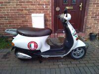 2002 Piaggio Vespa ET2 50 classic scooter, new 1 year MOT, very good runner, bargain, not zip aerox,