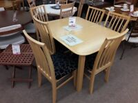 Light Wood Extendable Dining Table + 6 Chairs
