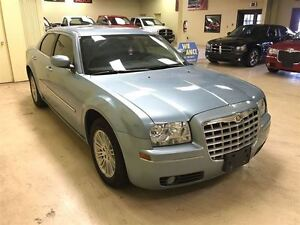 2009 Chrysler 300 Touring  Annual Clearance Sale! Windsor Region Ontario image 5