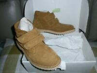 NEW MENS LIGHT SUED BOOTS SIZE 6