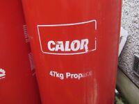 2 x LARGE 47KG BOTTLES OF PROPANE GAS - 1 x FULL & 1 x 1/4 + DOUBLE REGULATOR