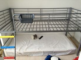 Metal mid sleeper single bed, good condition. Can dismantle. On other sites
