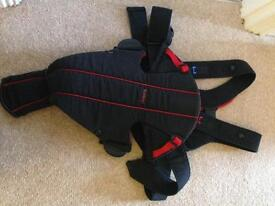 Baby Bjorn carrier black & red