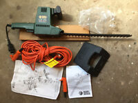 Black & Decker GT 150 Electric Hedge Trimmer (Fully Working)