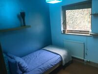 Lovely room available to rent in Hampstead Village, 2 mins from tube, must be seen!