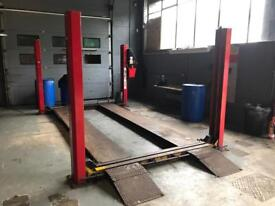 Beaver 4 Post 3 Tonne Lift - 3 Phase