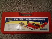 Trolley Jack 2 Ton almost new condition.