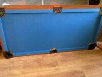 BCE LE CLUB FOLDING 5ft POOL TABLE COMPLETE WITH CUES & BALLS FOR SALE COULD DELIVER.
