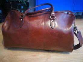 Genuine leather Ashwood holdall bag with strap - like new