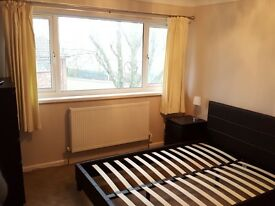Newly decorated double room in Havant.