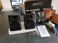 M-audio speakers av40