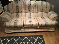 Beautyfull sofa and 2 armchairs