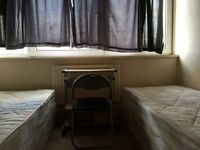 TWIN ROOM ENSUITE TO LET NEAR CROSSHARBOUR STATION, ZONE 2 ALL INCLUDED