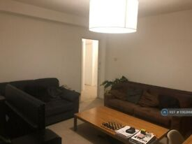 3 bedroom flat in Cumberland House, Kingston Upon Thames, KT2 (3 bed) (#1082888)