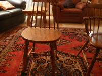 6 oak farmhouse chairs (2 carvers) in good condition