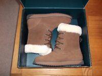 Emu Australia Ladies Boots.