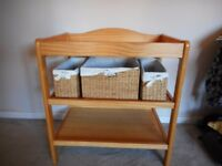Baby changing unit with 3 wicker baskets