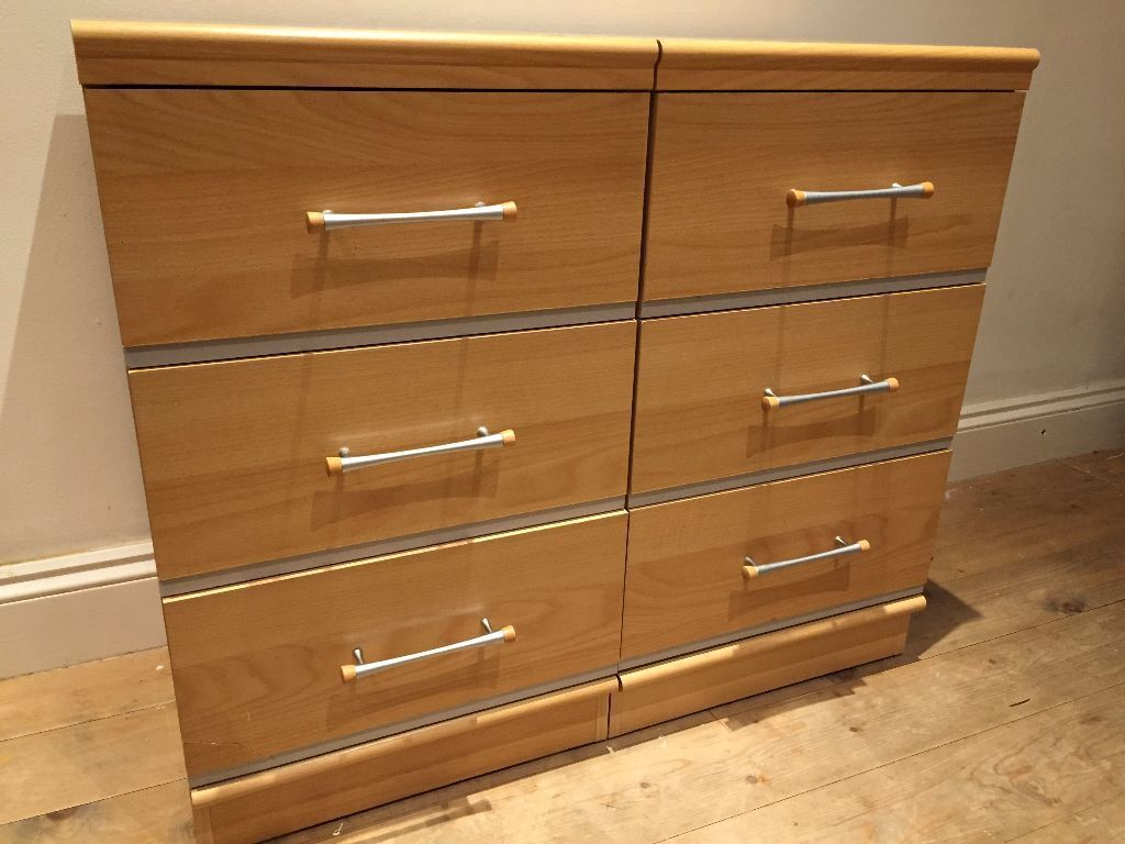 Alstons Manhattan Bedroom Furniture Alstons Manhattan Two Bedside Cabinets Only 7 Months Old Alb25 In