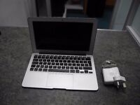 Apple MacBook Air 11-Inch mind 2013 Laptop With /Charger