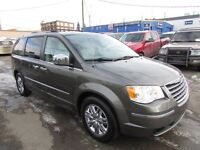 2010 Chrysler Town & Country LIMITED/NAVI/DVD/LEATHER