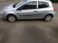 Renault Clio 1.2 16V. New shape. 2009 plate. Only 2 owners from new
