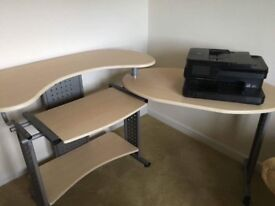 Computer desk and Chair £80.00 ONO