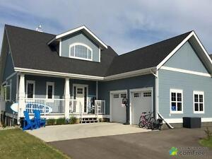 $719,000 - 1 1/2 Storey for sale in Gull Lake