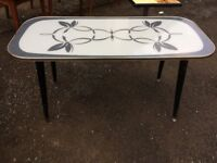 VINTAGE MID-CENTURY GLASS TOP COFFEE TABLE CIRA LATE 1950s EARLY 1960s