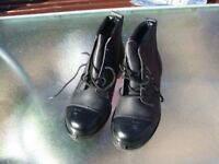 Safety boots, Arco, mens size 8 brand new