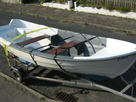 A Very Nice 14 Foot Fibreglass Fishing Boat / Family Boat