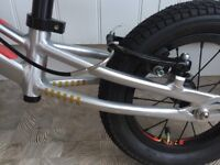 Children's Wiggens Pau Balance Bike