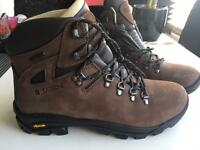 Mountain Warehouse Men's UK 8.5 Brown Excalibur Waterproof Vibram Boots