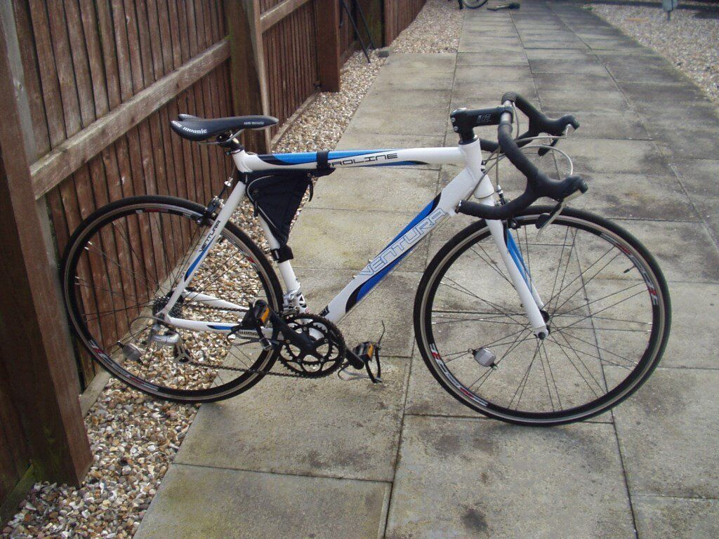 "Gents Ventura Racing Cycle 18"" Frame in excellent condition"