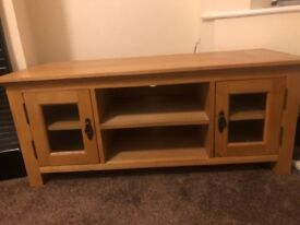 Large Solid Oak & Oak Veneer TV Unit
