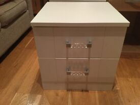 2 x bedside drawers ivory