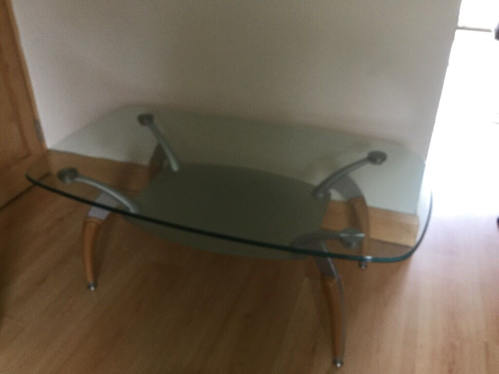 Glass coffee table... excellent condition!