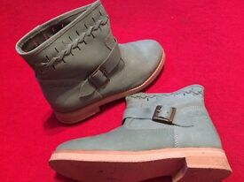 Coolway buckle boots, Green, size 5